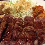 大阪の安くておいしい肉が出るランチを食べに行ってきた。